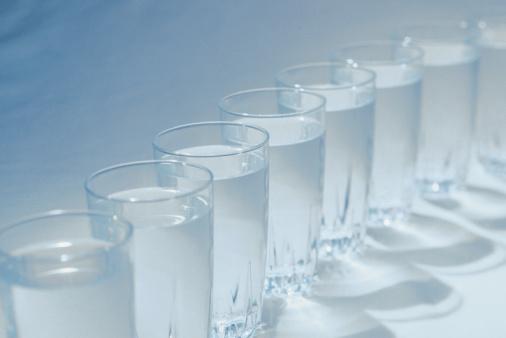 bicchieri acqua