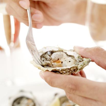 clima, ostriche, ostrica con forchetta