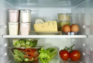 frigorifero verdure formaggi