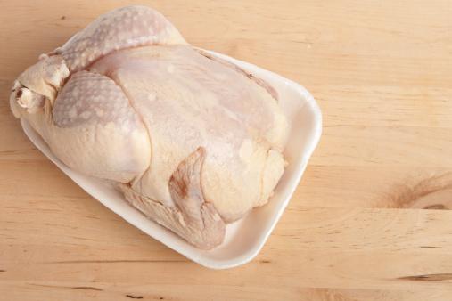 pollo crudo
