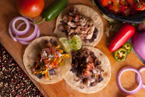 cibo messicano tortilla