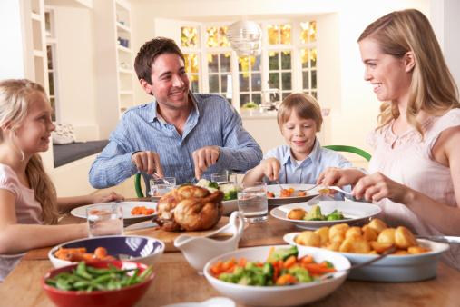 pranzo cibo famiglia