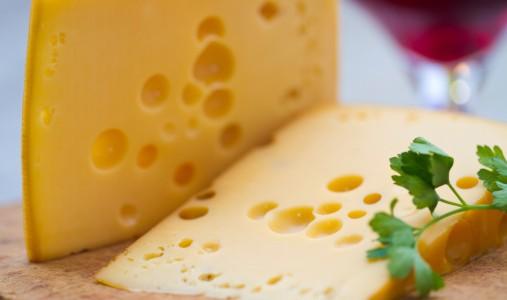 Il ruolo decisivo di alcune micropolveri nell'occhiatura dei formaggi