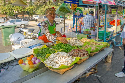 Le malattie trasmesse dal cibo nei paesi a basso-medio reddito costano 110 miliardi di dollari l'anno. Rapporto della Banca Mondiale