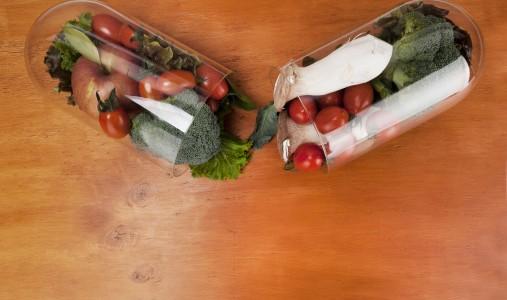 Integratori e principi attivi vegetali: i consigli dell'esperta per non correre rischi