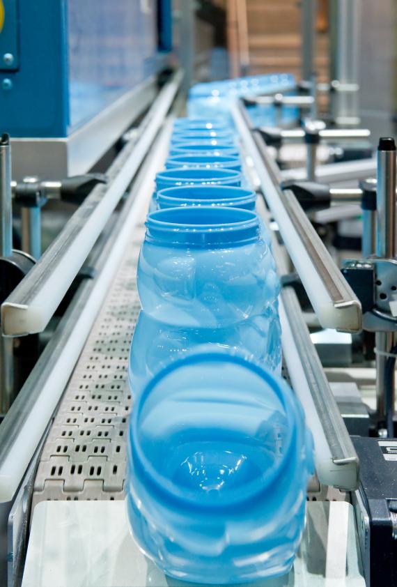 Dal 2030 plastica addio nel prodotti alimentari ? Le iniziative adottate dai francesi