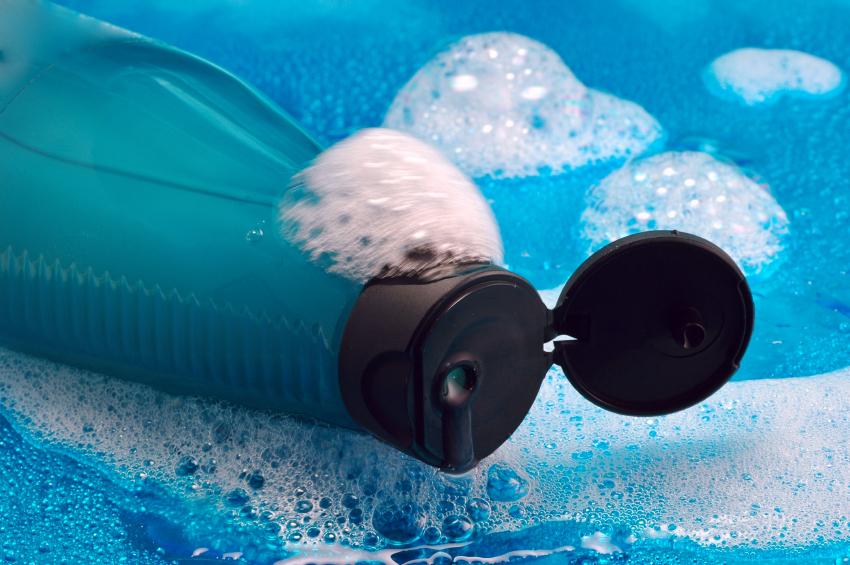 Bisfenolo A nelle borracce: meglio lavarle in lavastoviglie, ma controllare sempre le indicazioni del produttore