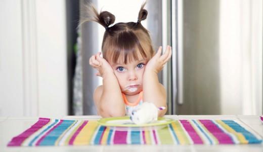 bambina dolci gelato iStock_000047860728_Small