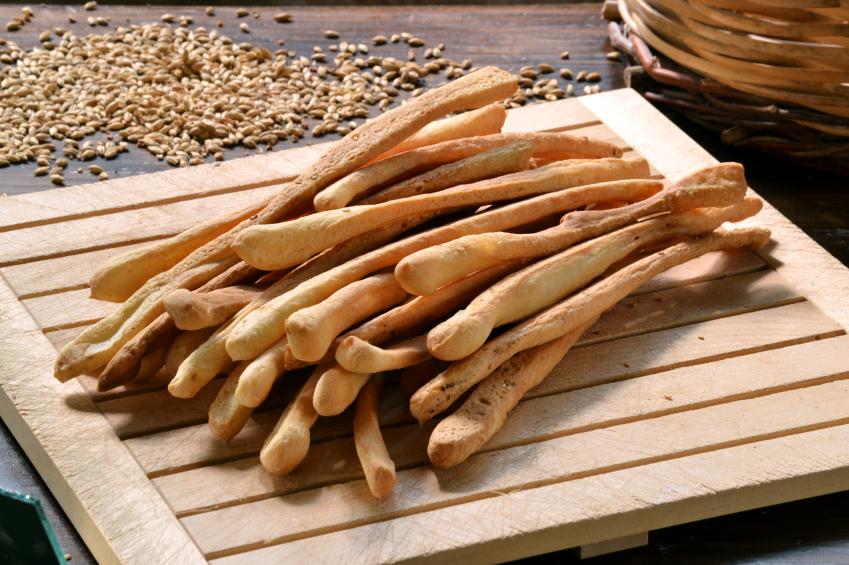 grissini carboidrati snack pane iStock_000051379768_Small