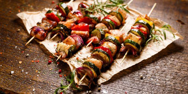 spiedini carne barbecue grigliata