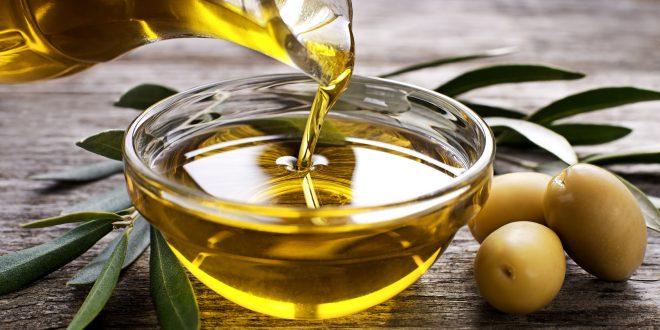 Olio extravergine, crolla il prezzo del 100% italiano. Non lo vuole l'industria e nemmeno i supermercati. Il parere di Alberto Grimelli