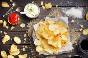 snack sale patatine fritte chips