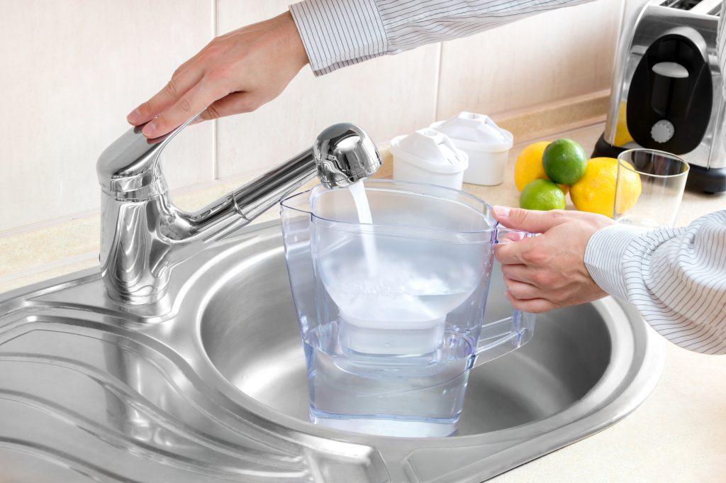 caraffa filtrante Filter jug acqua rubinetto