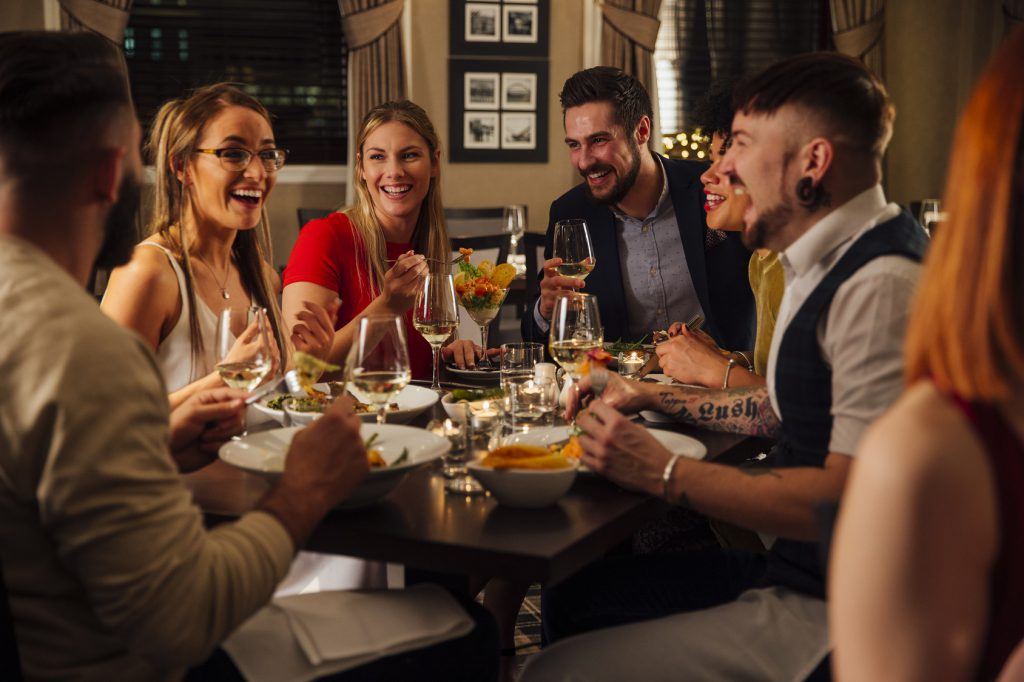 cena amici home restaurant cibo