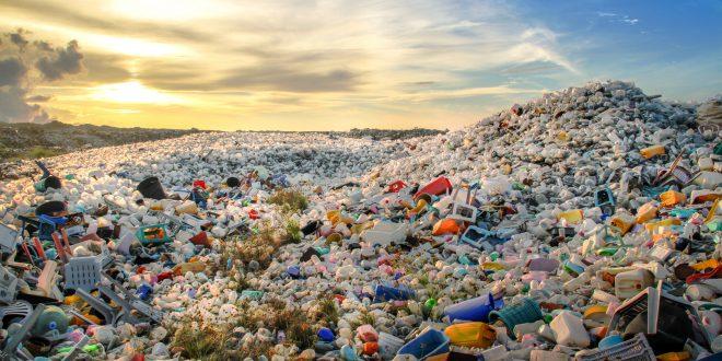 plastica discarica bottiglie