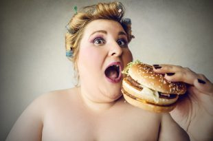 junk food hamburger sovrappeso obesita
