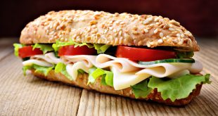 panino sandwich prosciutto formaggio pomodoro lattuga