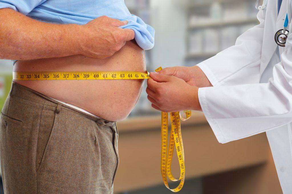 ospedale medico misura girovita paziente obeso obesita sovrappeso