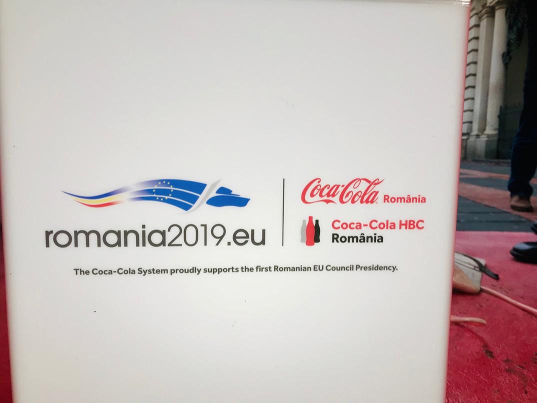 coca cola presidenza ue cartello bucharest