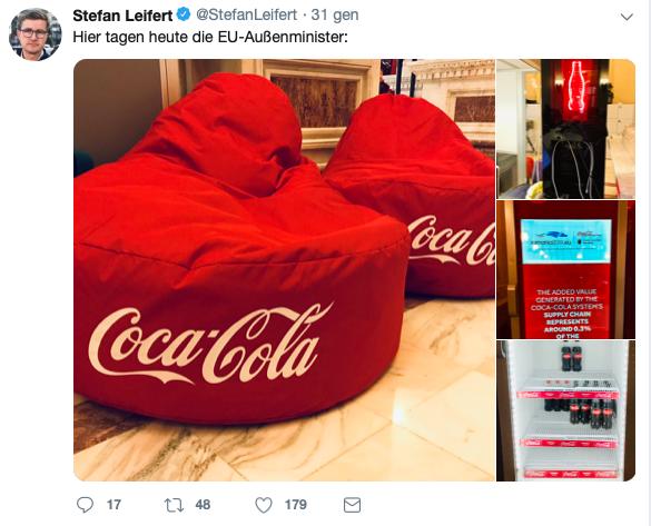 coca-cola presidenza ue poltrone pubblicita bottiglie bevande