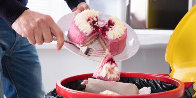 spreco alimentare spazzatura torta
