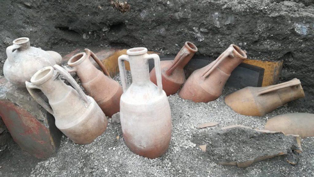 Termopolio-Regio-V pompei anfore
