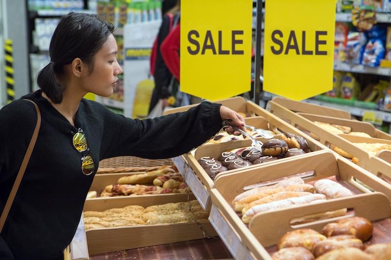 supermercato sconti dolci pane carboidrati