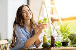 alimentazione dieta salute frutta e verdura succhi