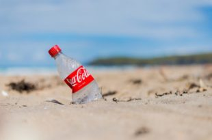 coca cola spiaggia surfers against sewage