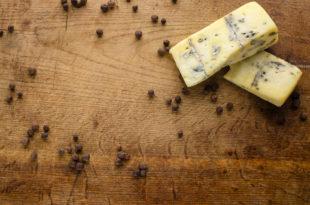 formaggi latticini pepe nero