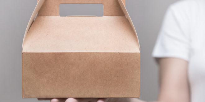 Hamburger di pesce e cannoli siciliani per posta? Il fenomeno del meal kit spopola: la scatola con tutti gli ingredienti nelle giuste quantità e le istruzioni