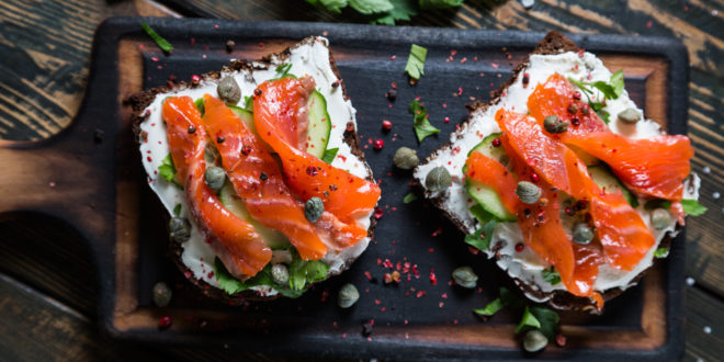 andwich with smoked salmon