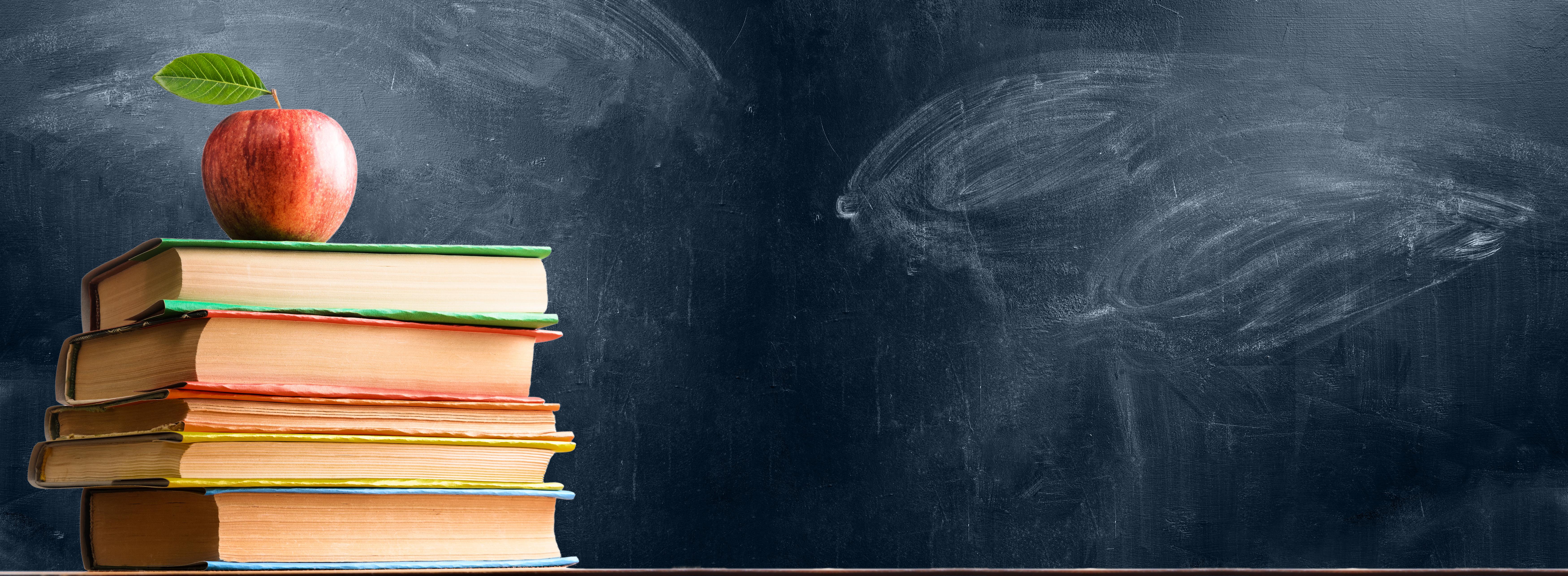 lavagna libri mela scuola università corsi universitari