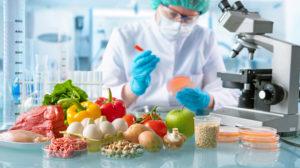 laboratorio microscopio analisi carne uova mela peperone