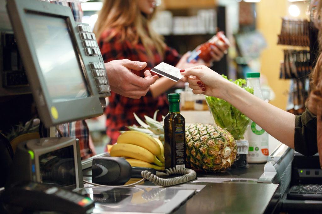 spesa cassa supermercato pagare