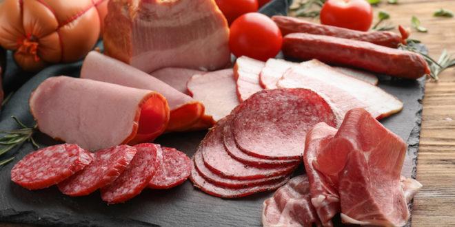 Piatto in ardesia: una lettrice chiede se è un materiale sicuro a contatto con gli alimenti. Risponde Luca Foltran