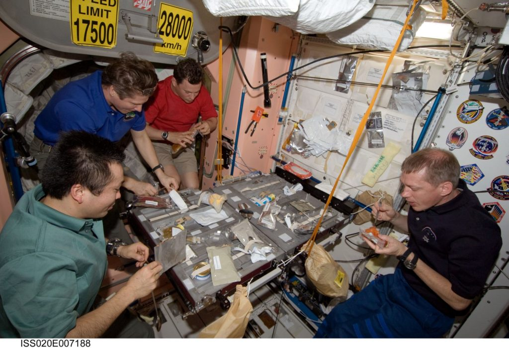 astronauti cibo spazio stazione spaziale internazionale