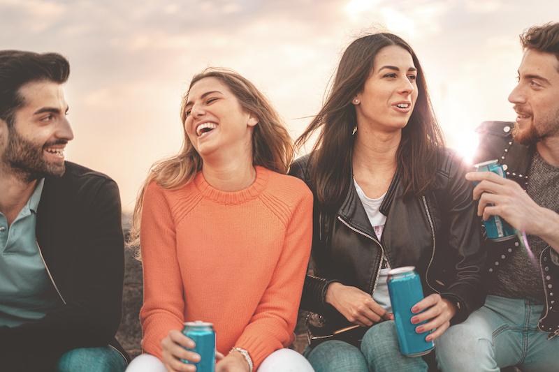 lattine bevande zuccherate birra energy drink giovani