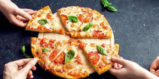 La pizza è consumata in tutto il mondo ma purtroppo non è un prodotto Made in Italy. Il commento di Günther Karl Fuchs su Papille Vagabonde