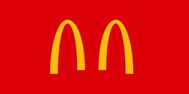 Coca-Cola, McDonald's e Chiquita modificano il logo per promuovere il distanziamento sociale e combattere il coronavirus