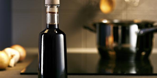 Aceto Balsamico di Modena: come sceglierlo? Più che il prezzo, può aiutare l'etichetta. Il test di Stiftung Warentest