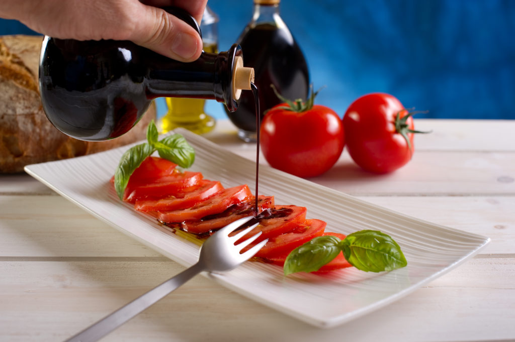 balsamic vinegar over tomatoes-aceto balsamico su pomodori