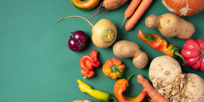 Frutta e verdura imperfetta, il movimento dell'ugly food contro lo spreco si diffonde anche in Italia