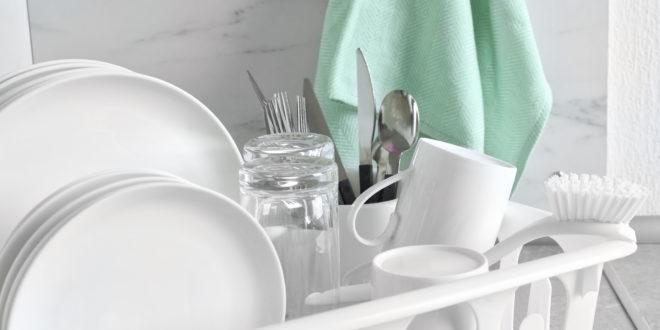 Quale detersivo per il lavaggio a mano dei piatti? Ecco cosa dice il test di Altroconsumo