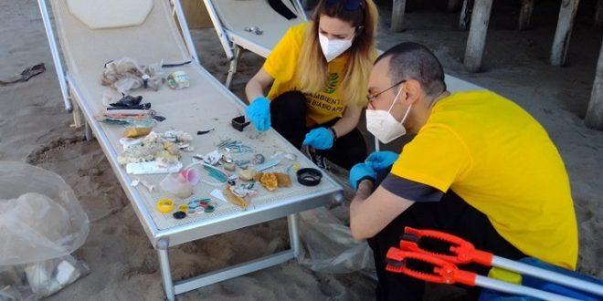 rifiuti spiagge Legambiente