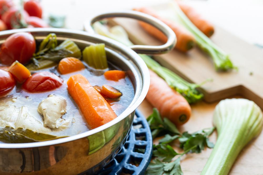 Brodo di pollo con verdure