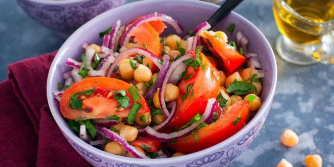 insalata pomodori cipolla ceci