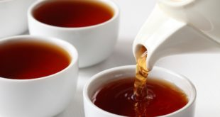 tè nero tazze teiera