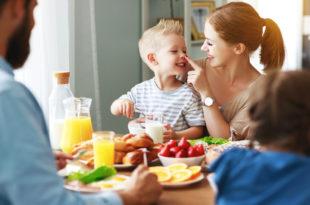 colazione bambini famiglia