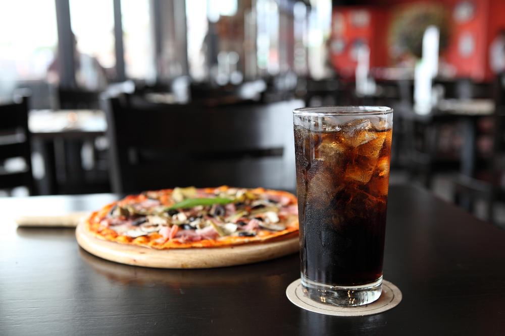 pizza coca-cola bevanda zuccherata